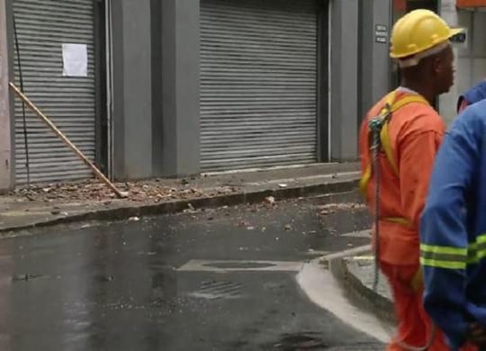 Parte de casarão será demolida no Comércio; área está interditada   Reprodução   Record TV Itapoan