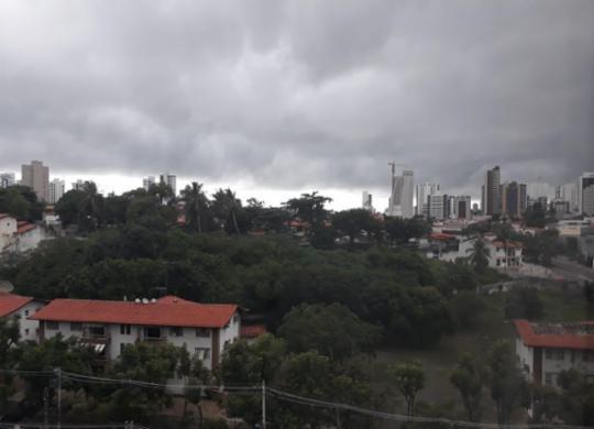 Codesal alerta para risco de alagamentos em Salvador nas próximas horas | Vinícius Ribeiro | Ag. A TARDE