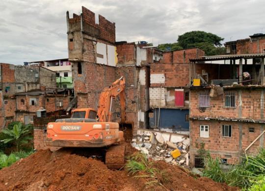 Edificações condenadas pela Codesal começam a ser demolidas em Narandiba | Divulgação | Secom