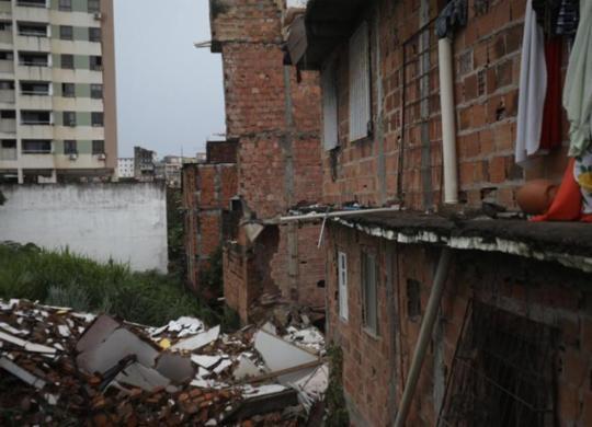 Prédio de quatro andares desaba no bairro de Narandiba | Felipe Iruatã | Ag A TARDE