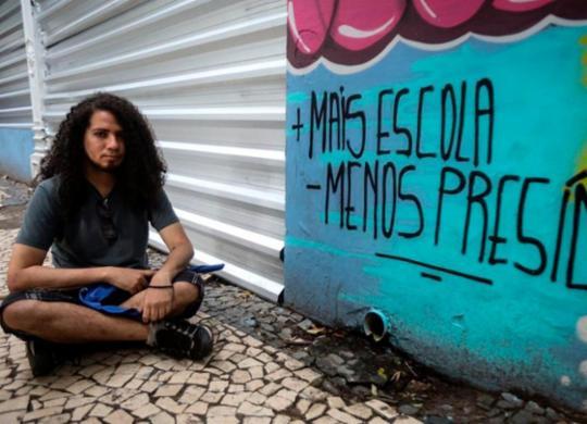 Estudantes fazem novo protesto contra fechamento do Odorico Tavares | Felipe Iruatã | Ag. A TARDE