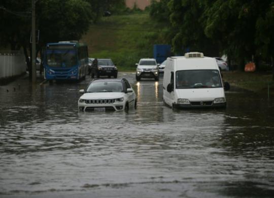 Chuvas devem permanecer nas próximas 24 horas, aponta Codesal | Raul Spinassé | Ag. A TARDE