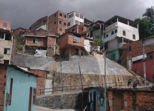 TCU pede plano de ação para obras de contenção de encostas de alto risco | Ananda Freitas | Ag. A TARDE