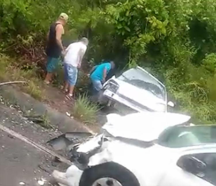 O acidente aconteceu no trecho de Guaibim, distrito do município de Valença | Foto: Cidadão Repórter via Whatsapp - Foto: Cidadão Repórter via Whatsapp