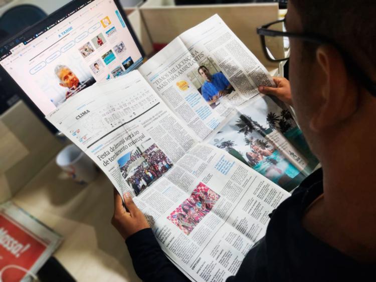 Quem assinar as edições impressa e digital de A TARDE até o final de fevereiro irá economizar 50% do valor | Foto: Natália Figueiredo | Ag. A TARDE - Foto: Natália Figueiredo | Ag. A TARDE