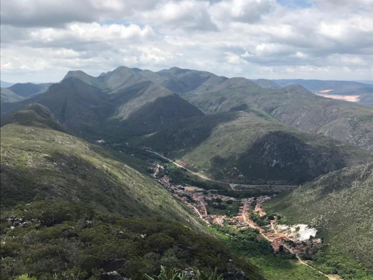 Vista do alto do Pico do Jaraguá, em Jacobina. A maior parte da trilha é feita dentro da mata, mas é subida e requer certo esforço | Foto: Divulgação | Anderson Sotero - Foto: Divulgação | Anderson Sotero