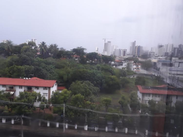 O Caminho das Árvores foi um dos bairros com maior volume de chuva - Foto: Reprodução