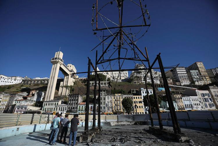 Equipamento pegou fogo no dia 21 de dezembro | Felipe Iruatã | Ag A TARDE - Foto: Foto: Felipe Iruatã | Ag A TARDE