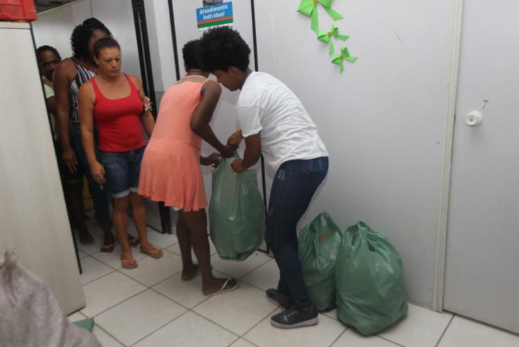 A iniciativa promove a compra de produtos da Agricultura Familiar dos municípios e distribui entre famílias em situação de extrema pobreza. - Foto: Elói Corrêa_GOVBA