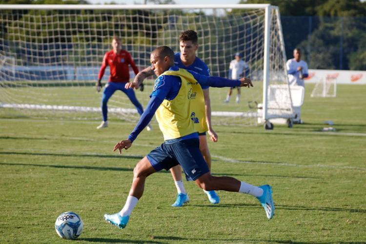 Roger Machado promoveu um treino técnico com foco na troca de passes e finalização | Foto: Felipe Oliveira | EC Bahia - Foto: Felipe Oliveira | EC Bahia