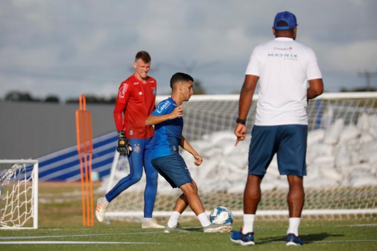 O treinador comandou trabalho com bola na Cidade Tricolor | Foto: Felipe Oliveira | EC Bahia - Foto: Felipe Oliveira | EC Bahia