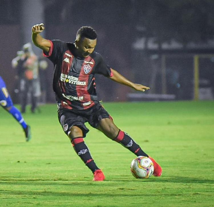 Leão conseguiu o gol do empate aos 49 do segundo tempo com o atacante Eron | Reprodução - Foto: Pietro Carpi | EC Vitória