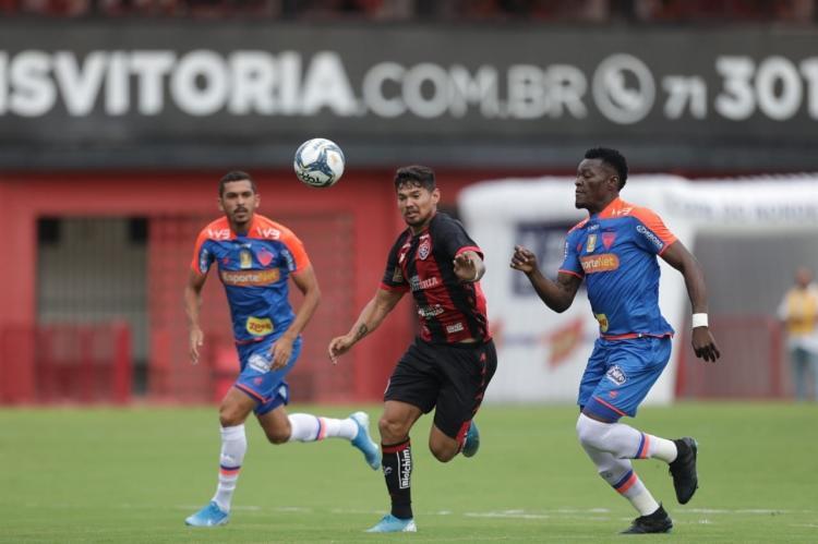 Atacante Léo Ceará não conseguiu levar o Leão ao triunfo | Raul Spinassé | Ag. A TARDE - Foto: Raul Spinassé | Ag. A TARDE