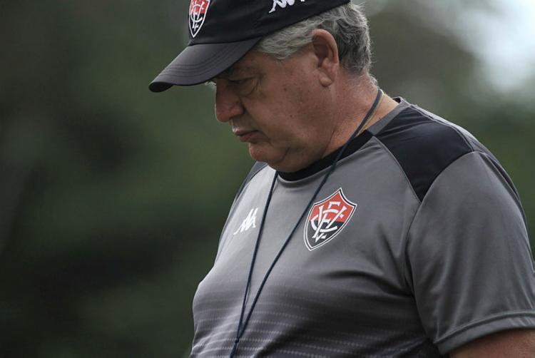 Treinador passou por procedimento no olho | Letícia Martins | EC Vitória - Foto: Letícia Martins | EC Vitória