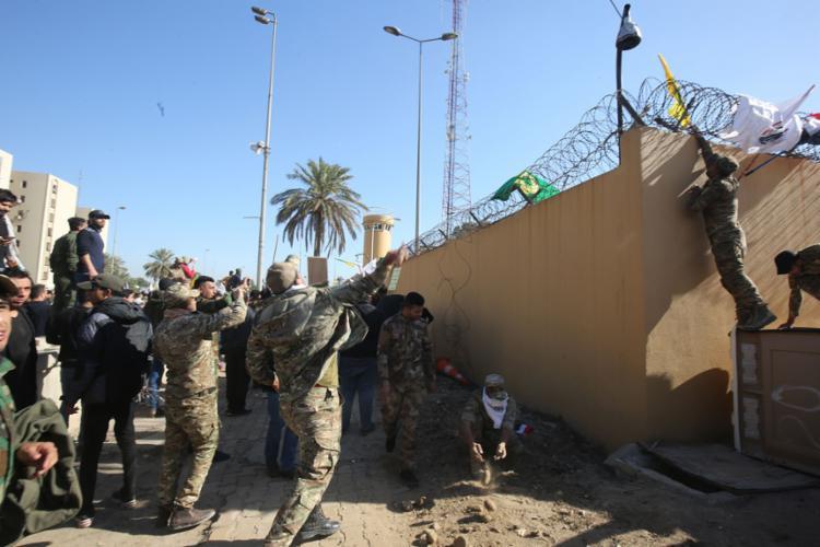 Embaixada dos EUA em Bagdá foi alvo de ataques no sábado, 4 | Foto: Ahmad Al-Rubaye | AFP - Foto: Ahmad Al-Rubaye | AFP