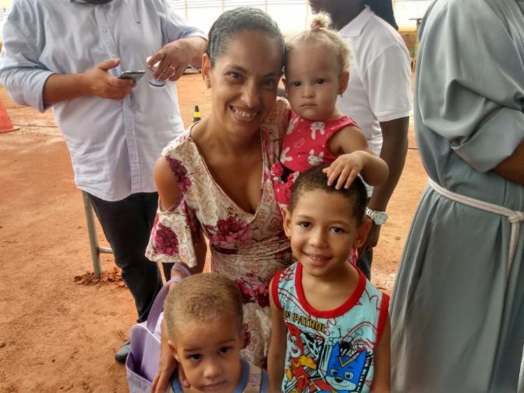 A moradora Eliene afirmou que escola vai ajudar mães que querem trabalhar | Foto: Shagaly Ferreira | Ag. A TARDE