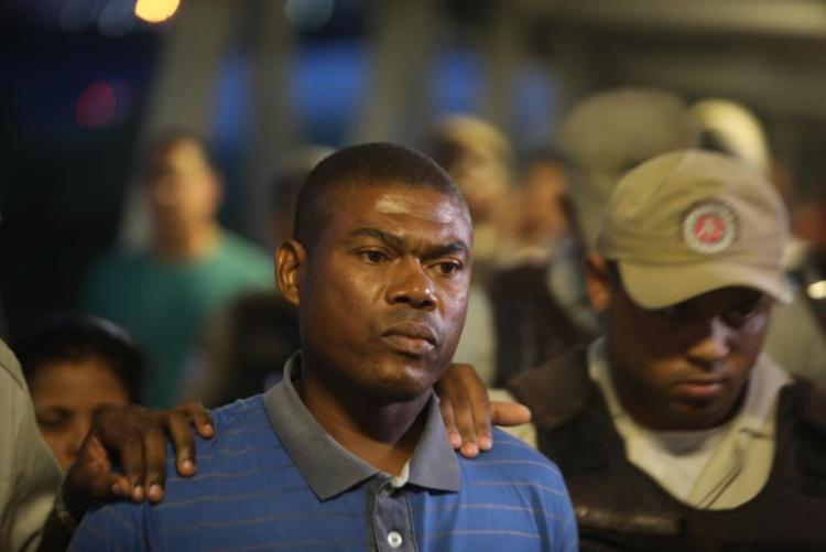 Após quase 2h, refém foi libertado | Foto: Felipe Iruatã | Ag. A TARDE - Foto: Felipe Iruatã | Ag. A TARDE