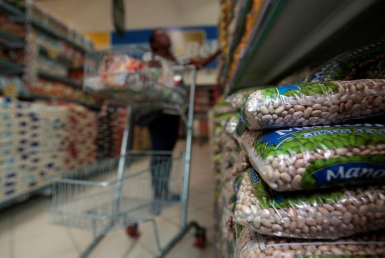 Aumento do feijão chegou perto dos 65% | Foto: Alessandra Lori | Ag. A TARDE - Foto: Alessandra Lori | Ag. A TARDE