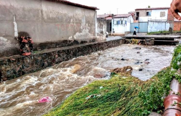 Previsão é que as chuvas devem diminuir nos próximos dias   Foto: Ed Santos   Acorda Cidade - Foto: Ed Santos   Acorda Cidade