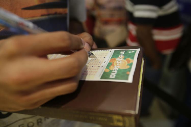 Esse foi o maior prêmio das loterias da Caixa neste ano: R$ 304,213 milhões | Foto: Raul Martins | Ag. A TARDE - Foto: Raul Martins | Ag. A TARDE