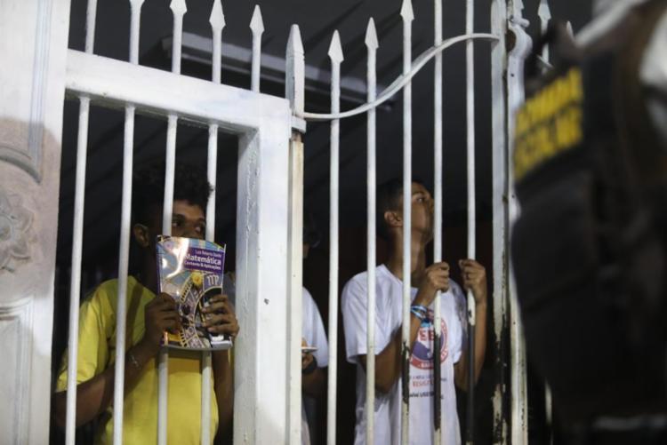 Protesto foi iniciado na tarde de terça-feira | Foto: Felipe Iruatã | Ag. A TARDE - Foto: Felipe Iruatã | Ag. A TARDE