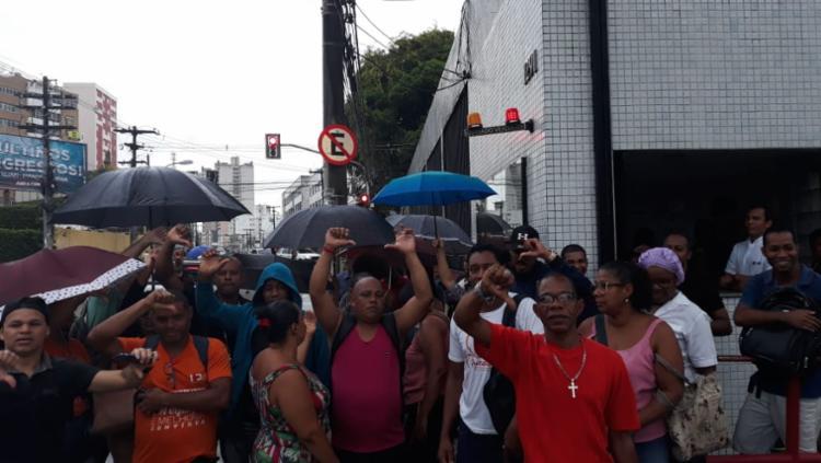 Trabalhadores realizam manifestação em frente ao hospital | Foto: Divulgação | Sindisaúde - Foto: Divulgação | Sindisaúde