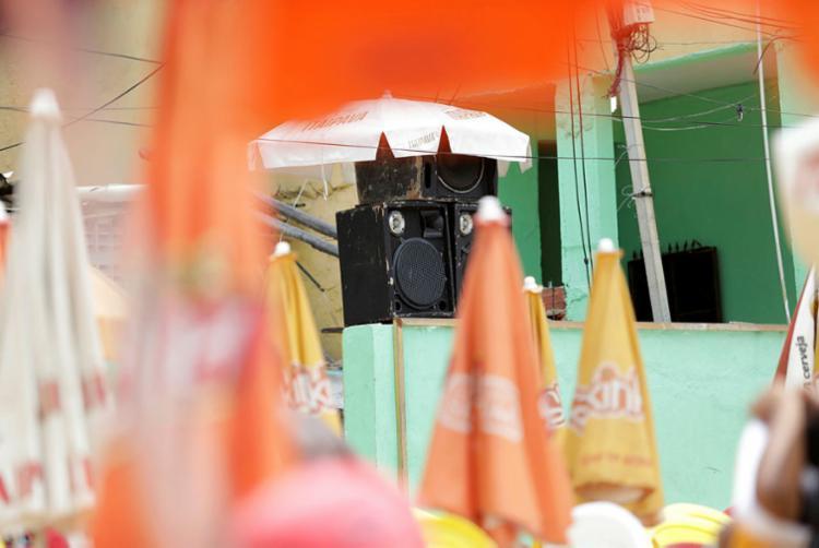 Caixas de som de espaços comerciais incomodam com volume alto   Foto: Adilton Venegeroles   Ag. A TARDE - Foto: Adilton Venegeroles   Ag. A TARDE