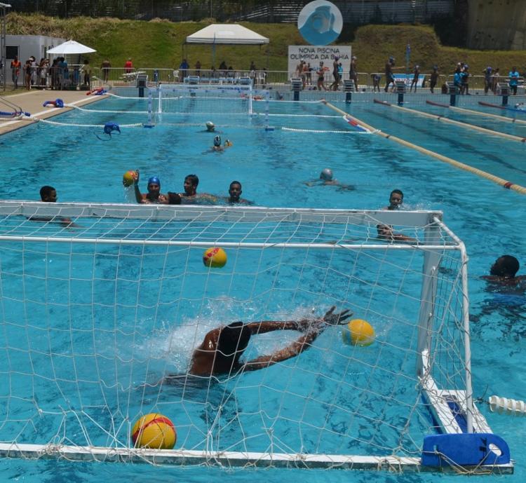 O polo aquático, umas dos esportes com vagas em aberto é praticado na piscina olímpica da Bahia, em Salvador   Foto: João Ubaldo   Sudesb - Foto: João Ubaldo   Sudesb