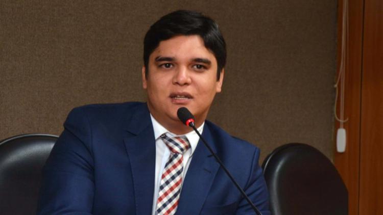 Parlamentar do PL apresentou quatro emendas à PEC e opinou pela aprovação do texto | Foto: Agência ALBA | Divulgação - Foto: Agência ALBA | Divulgação