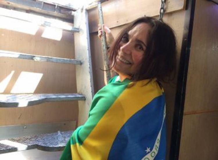 Regina foi uma das poucas artistas a declarar seu voto para Bolsonaro na última eleição   Foto: Reprodução   Twitter - Foto: Reprodução   Twitter