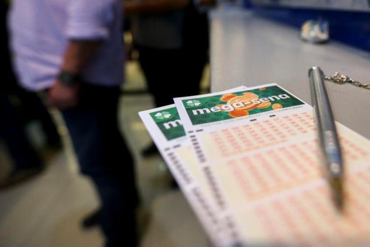 Valor de uma aposta simples da Mega, com seis números, é de R$ 4,50 | Foto: Marcelo Camargo | Agência Brasil - Foto: Marcelo Camargo | Agência Brasil