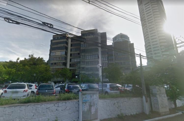 Situação ocorreu após curto-circuito em ar condicionado | Foto: Reprodução | Google Maps - Foto: Reprodução | Google Maps