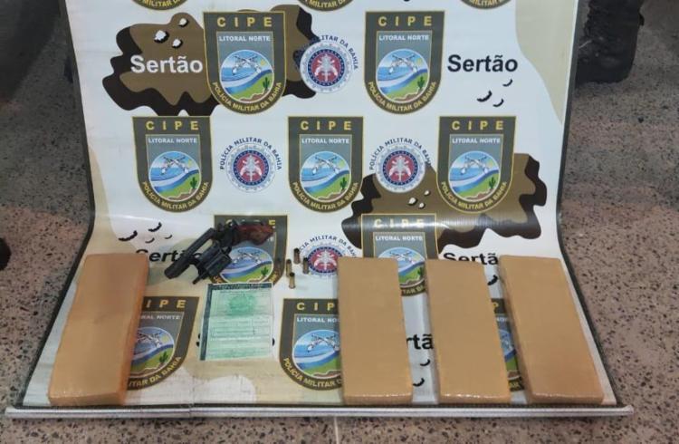 Drogas e arma foram localizadas com o suspeito | Foto: Divulgação | SSP - Foto: Divulgação | SSP