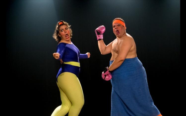 Os atores apresentam duas personas que trazem com humor situações sobre o universo gordo | Foto: Divulgação - Foto: Divulgação
