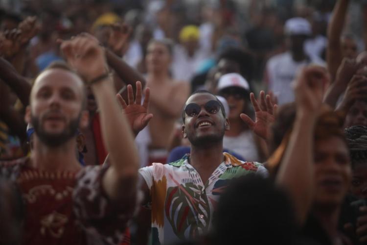 De acordo com o prefeito, imunização da totalidade da população adulta de Salvador permitirá realização das festas - Foto: Felipe Iruatã   Ag. A TARDE