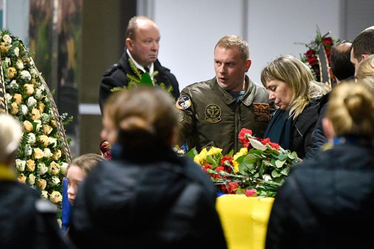 funeral está programado para esta segunda-feira, 20 | Foto: Sergei Supinsky | AFP - Foto: Sergei Supinsky | AFP