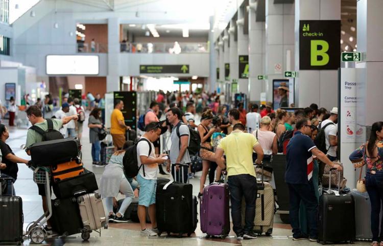 Média de voos internacionais regulares chegou a 109 | Foto: Raul Spinassé | Ag. A TARDE - Foto: Raul Spinassé | Ag. A TARDE