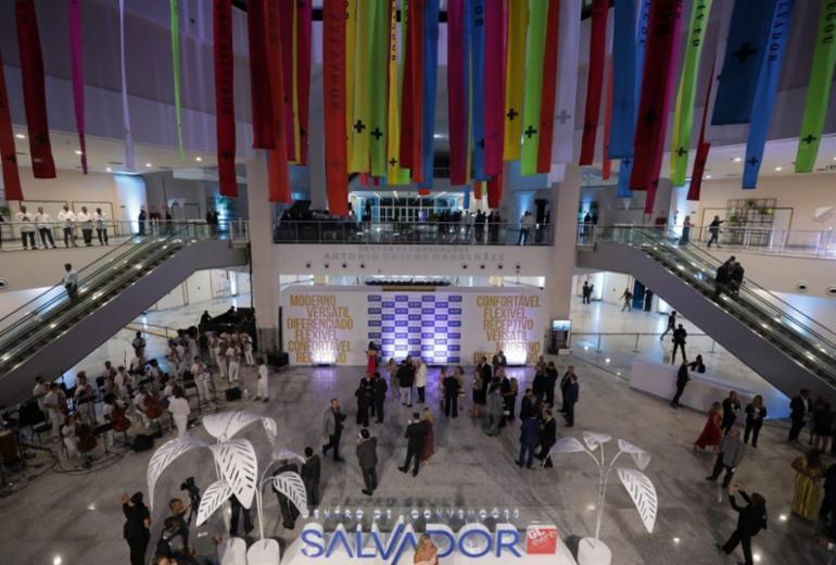 Centro de Convenções é inaugurado na orla da Boca do Rio   Adilton Venegeroles   Ag A TARDE