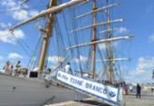 Navio-Veleiro Cisne Branco atrai visitantes no Porto de Salvador | Foto: Shirley Stolze | Ag. A TARDE