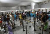 Shopping concentra entrega de abadás na folia | Foto: Felipe Iruatã | Ag A TARDE