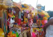 Ambulantes da Barra esperam melhora nas vendas | Adilton Venegeroles | Ag. A TARDE