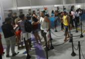 Shopping concentra entrega de abadás na folia | Felipe Iruatã | Ag A TARDE
