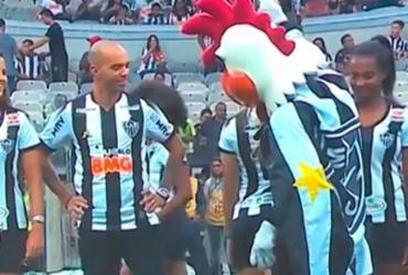 Mascote do Atlético Mineiro é acusado de machismo em apresentação do time feminino | Reprodução