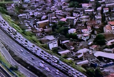 Capotamento deixa ferido na avenida Bonocô | Reprodução | Record Bahia