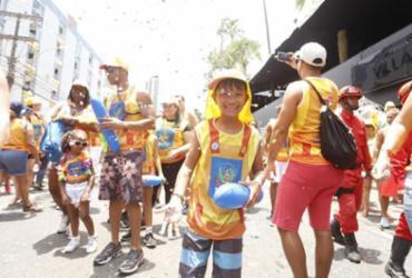 Tio Paulinho e Gilmelândia arrastam milhares de foliões mirins na Barra |