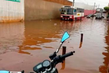 Chuva forte causa alagamentos na cidade de Caculé | Reprodução | Mídia Bahia