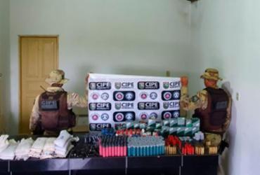Polícia desarticula comércio ilegal de munições e apreende arsenal em Canudos |