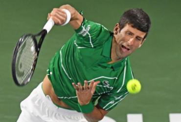 Djokovic e Tsitsipas farão final em Dubai |