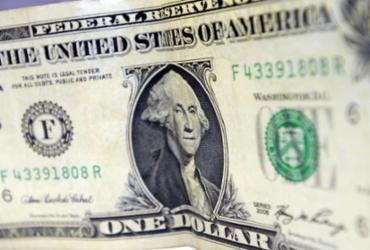 Dólar encosta em R$ 4,36 e renova recorde desde criação do real |