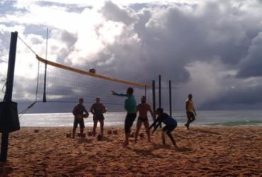 Esportes de Verão: vôlei de praia, modalidade olímpica, faz a diversão entre amigos | Daniel Genonadio | Ag. A TARDE